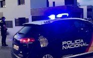 Menores queman un coche en Palma, con una mujer dentro