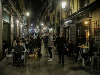 Ministra de Turismo, Maroto, critica las aglomeraciones en Madrid