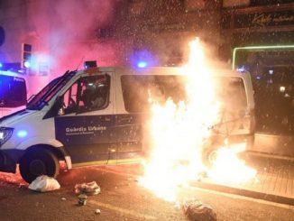 La formación del Govern condicionada por la violencia callejera