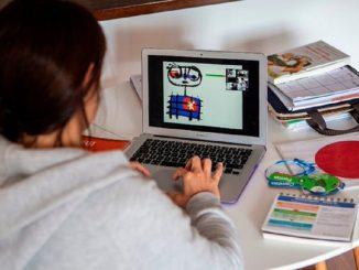 España cumple un año del cierre de colegios y el teletrabajo