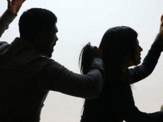 En la India joven fue decapitada por su padre quien entregó su cabeza