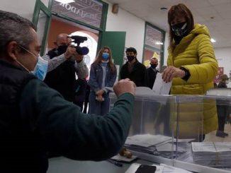 Laura Borràs, de JxCat, visita a Pablo Hásel en la cárcel