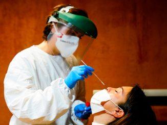 España regresa al umbral de riesgo medio de contagio 6 meses después