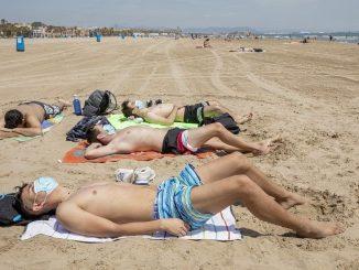 En las playas de Canarias no se usará la mascarilla