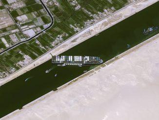 La importancia del canal de Suez en el comercio mundial