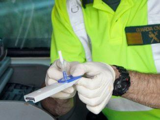 Un conductor da positivo en todas las drogas del test policial