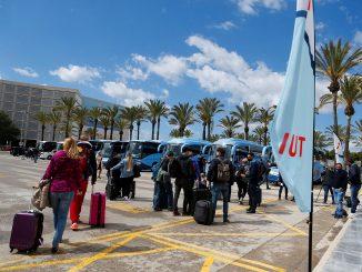 El Gobierno levanta restricciones de vuelos con Reino Unido