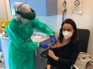 Gibraltar: primera en completar la vacunación en su población adulta