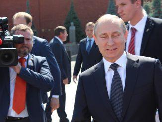 El presidente Vladimir Putin modifico la constitución para reelegirse dos periodos más.