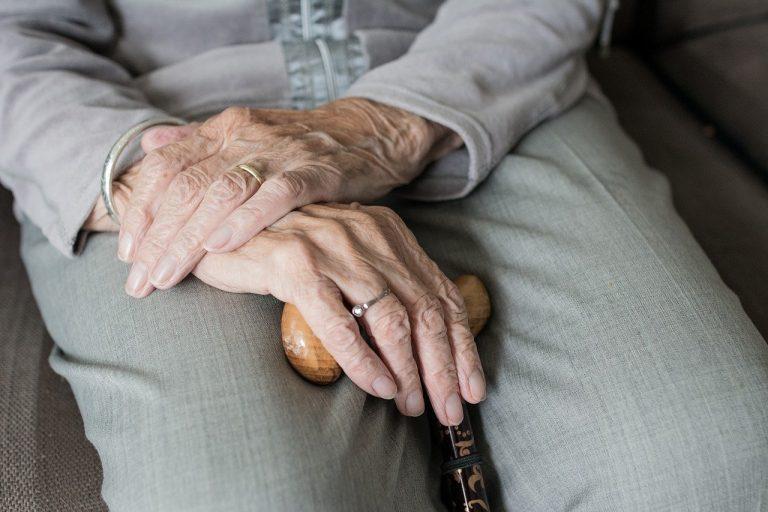 Ancianos infectados por COVID 19 en Barcelona