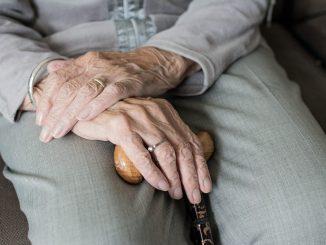 Sevilla, hombre muere tras un infarto antes de su vacunación