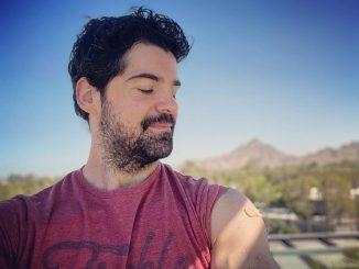 Miguel Ángel Muñoz publica en redes su primera dosis contra el coronavirus
