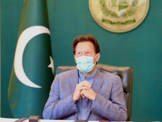 Primer ministro de Pakistán justifica violaciones a mujeres