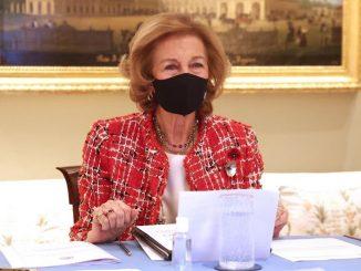 Reina Sofía retoma labores tras la segunda dosis de vacuna