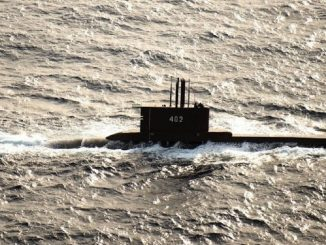 Indonesia, buscan a un submarino desaparecido con 53 tripulantes