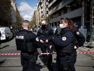 Tiroteo en París, un muerto y un herido: el atacante se da a la fuga