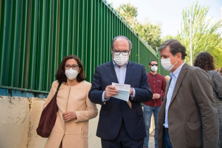Ángel Gabilondo es ingresado al hospital