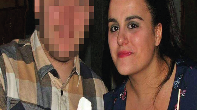 Madre crimen hijo 53 puñaladas