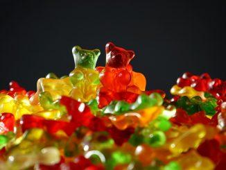 Menores de edad acaban en el hospital por el consumo de dulces