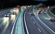 Se establecen tres nuevos límites de velocidad para entornos urbanos en España.