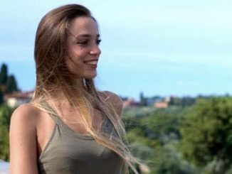 Italia, cilindro de máquina textil aplasta a una joven en el trabajo