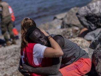 Luna, una joven en primera línea en la crisis migratoria de Ceuta