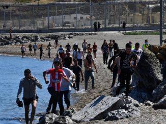 Marlaska confirma que 30 migrantes han logrado acceder a Melilla
