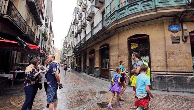 Barrio muy transitado de Bilbao