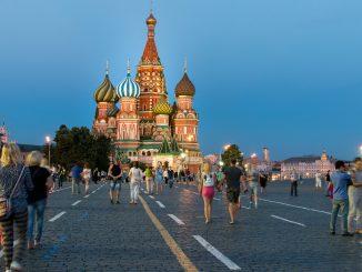 Moscú prohíbe el ingreso a establecimientos a personas no vacunadas