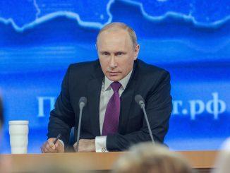 Rusia: Putin ordena la vacunación para extranjeros en el país