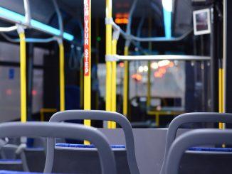 Imputado el conductor: puso el autobús en el aparcamiento para tener sexo con una pasajera