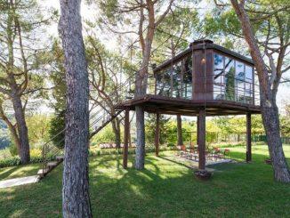 Casa del árbol: un padre construye una para su hija