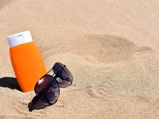 catorce cremas solares no garantizan la protección solar que prometen sus etiquetas