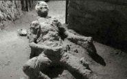 """Pompeya, los """"extraños"""" restos de un hombre carbonizado"""