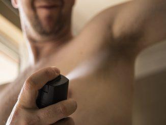 Desodorante, los 10 usos que no conocías
