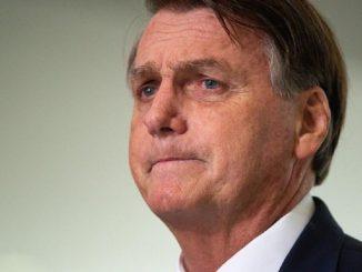Jair Bolsonaro es hospitalizado en Brasil por hipo crónico