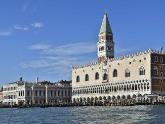Venecia, el fantasma de Casanova es visto en la Plaza de San Marcos