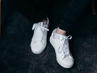 Trucos para mantener y limpiar tus zapatillas blancas
