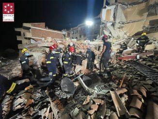 Un edificio se derrumba en Peñíscola