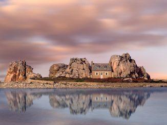 Castel Meur: una casa entre rocas en la Bretaña francesa