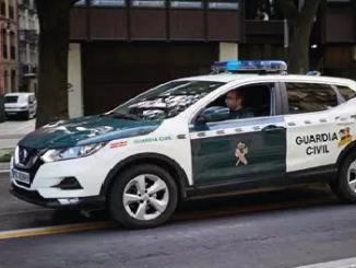Sevilla Roban coche con niño adentro