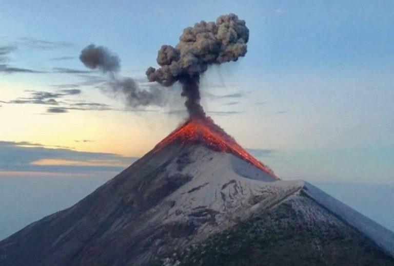 Guatemala, Volcán de Fuego