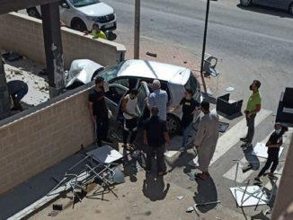 accidente-murcia-coche-arrolla-terraza
