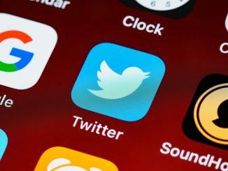 El fiscal pide dos años de cárcel por un tuit supuestamente racista