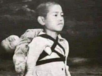 La historia del niño que cargó con su hermano en la Segunda Guerra Mundial