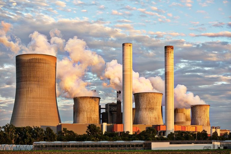 Eléctricas amenazan parar las nucleares ante el gobierno