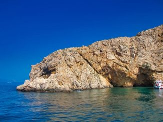 isla krk croatia mujer