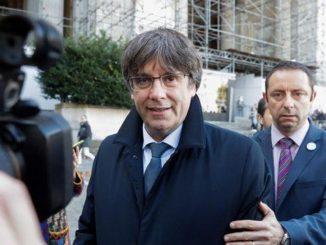 Puigdemont abandona Cerdeña y vuelve a Bruselas