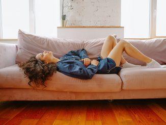proponen-baja-laboral-menstruacion-dificil