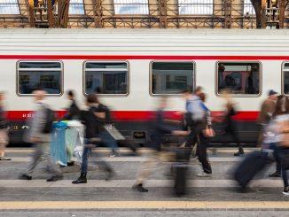 tren-filadelfia-no-intervienen-violacion-mujer